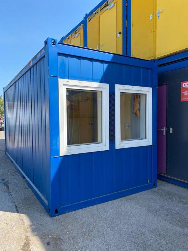 Bungalow de chantier modulaire 20 PiedsGOLIAT : Fenêtres Bungalow équipe de WC douche et lave main